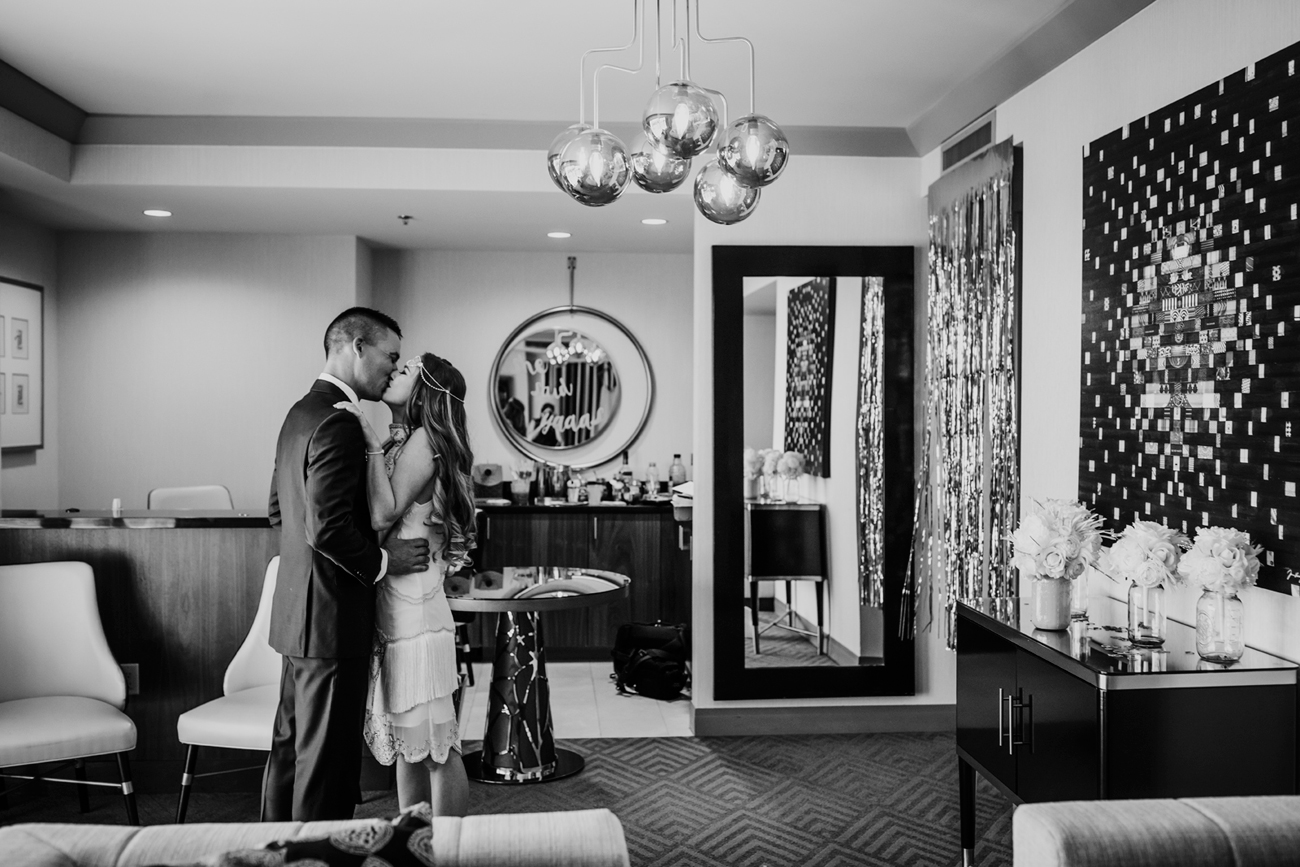 First look at Cosmopolitan Hotel. Las Vegas Wedding. Red Rock Wedding . Becca Henry Photography .