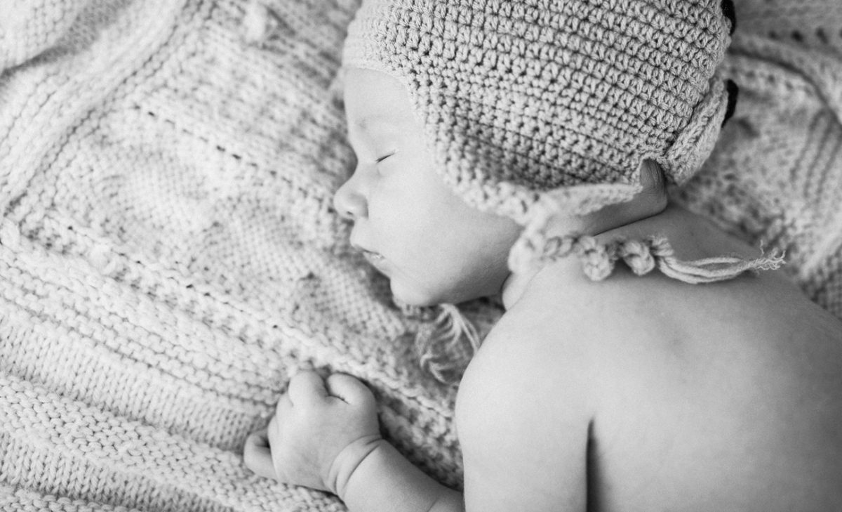 Becca Henry Photography - Newborn Photography in Oakland- newborn with sweet knitted hat