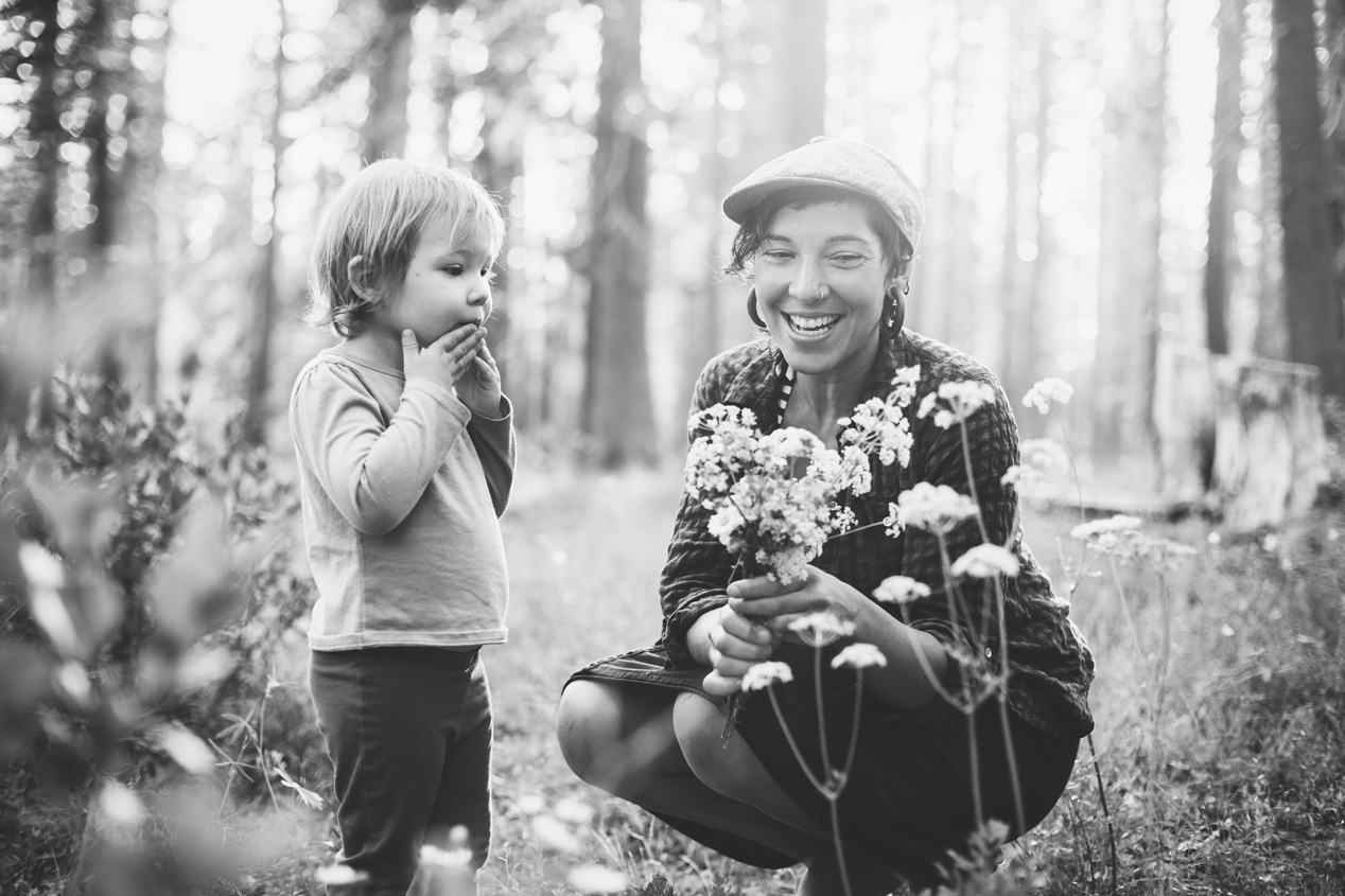 Becca Henry Photography- momma and lil one picking wild flowers - Placerville California